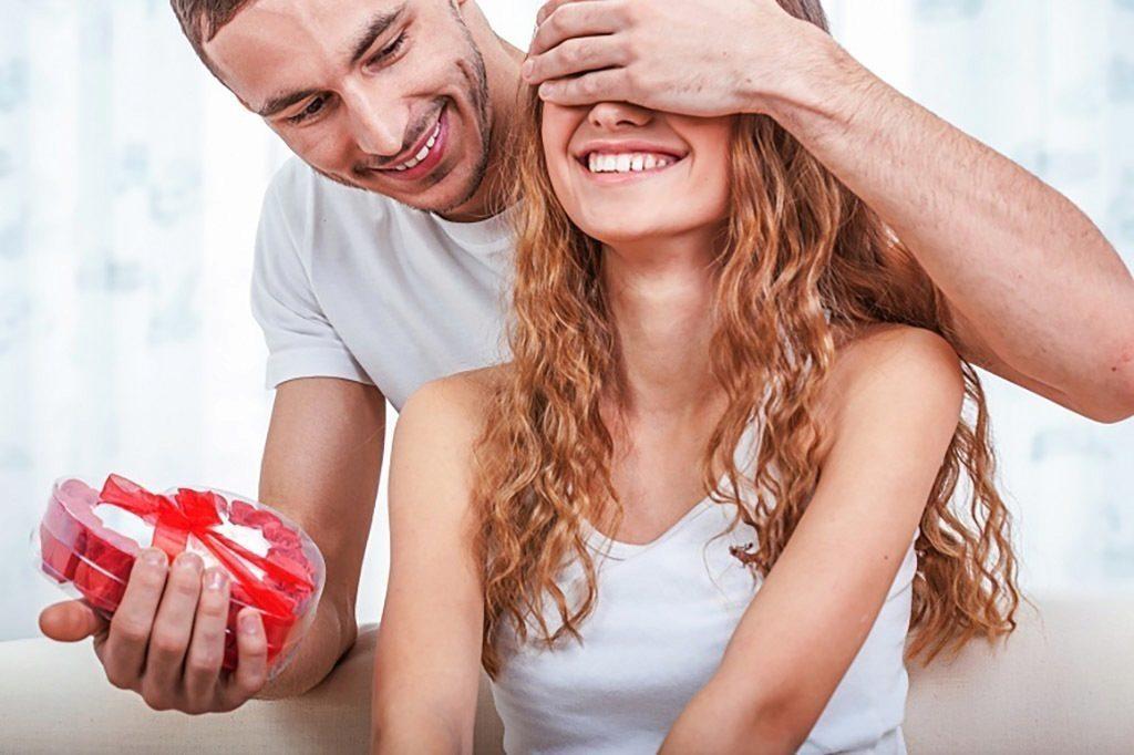Valentýn: Slavit, nebo neslavit svátek zamilovaných? Valentýn