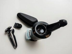 holící strojek Philips S9711 obsah baleni